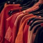 Fretex på Grønland Torg Røde jakker og gensere