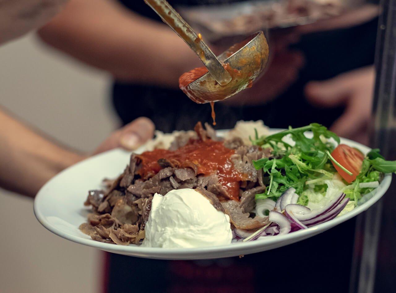 Spennende mat servert hos Saray på Grønlands Torg