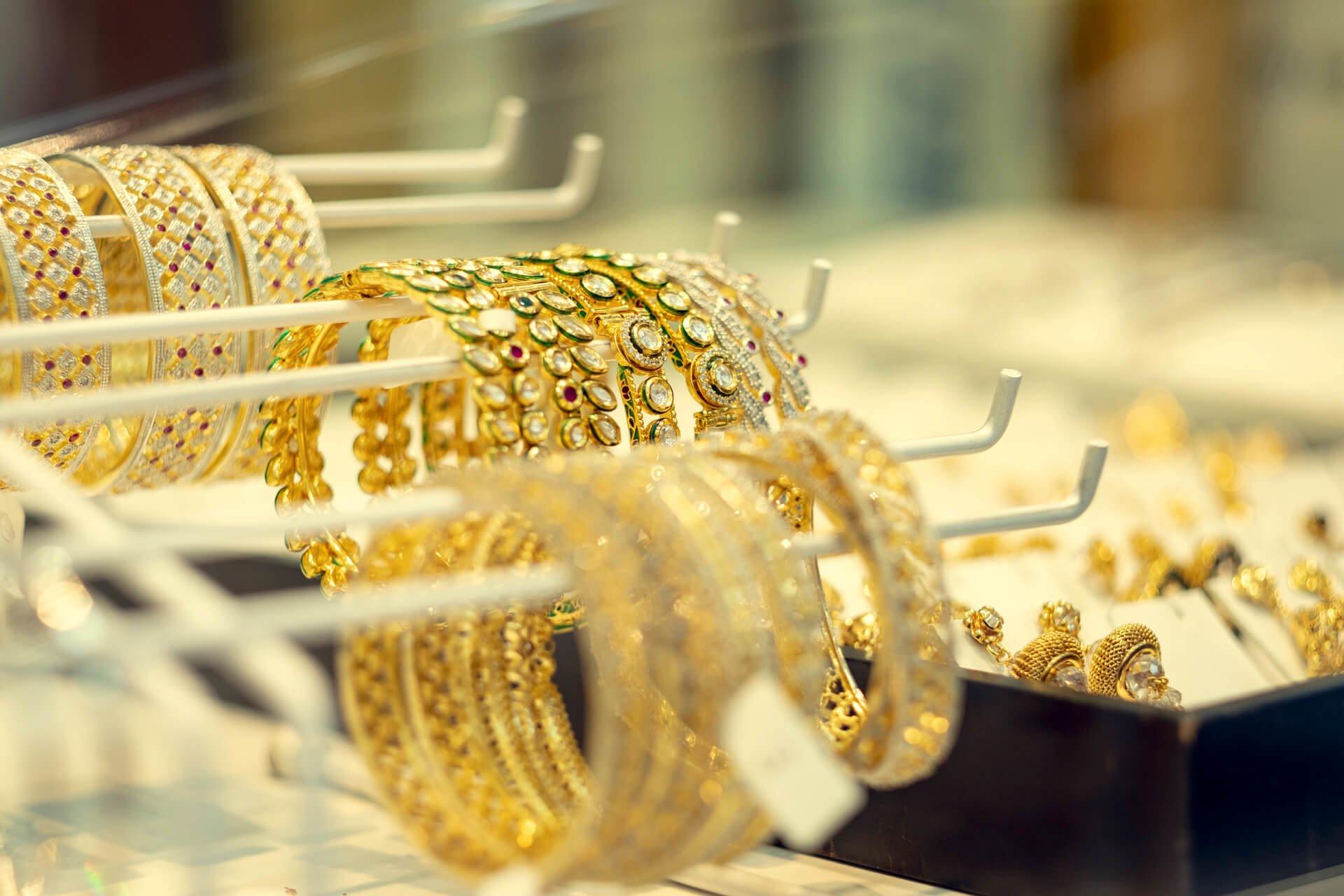 Sheikh´s Fashion vakre armbånd på Grønland Torg